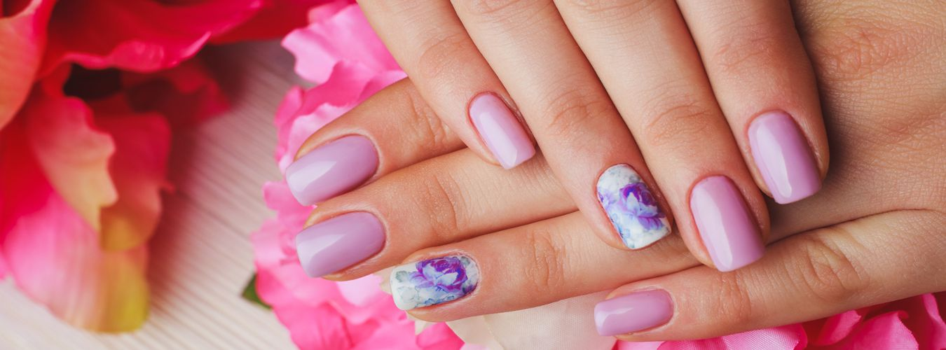 Vickies Nail Spa Chicago<br>Where Customer Comes First<br>7 E ...